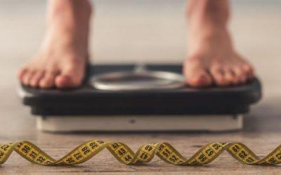 ¿Cómo se calcula el índice de masa corporal (IMC)?